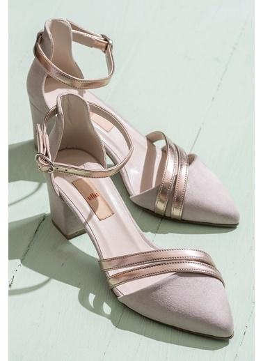 Elle Kalın Topuklu Sivri Burun Ayakkabı Bej